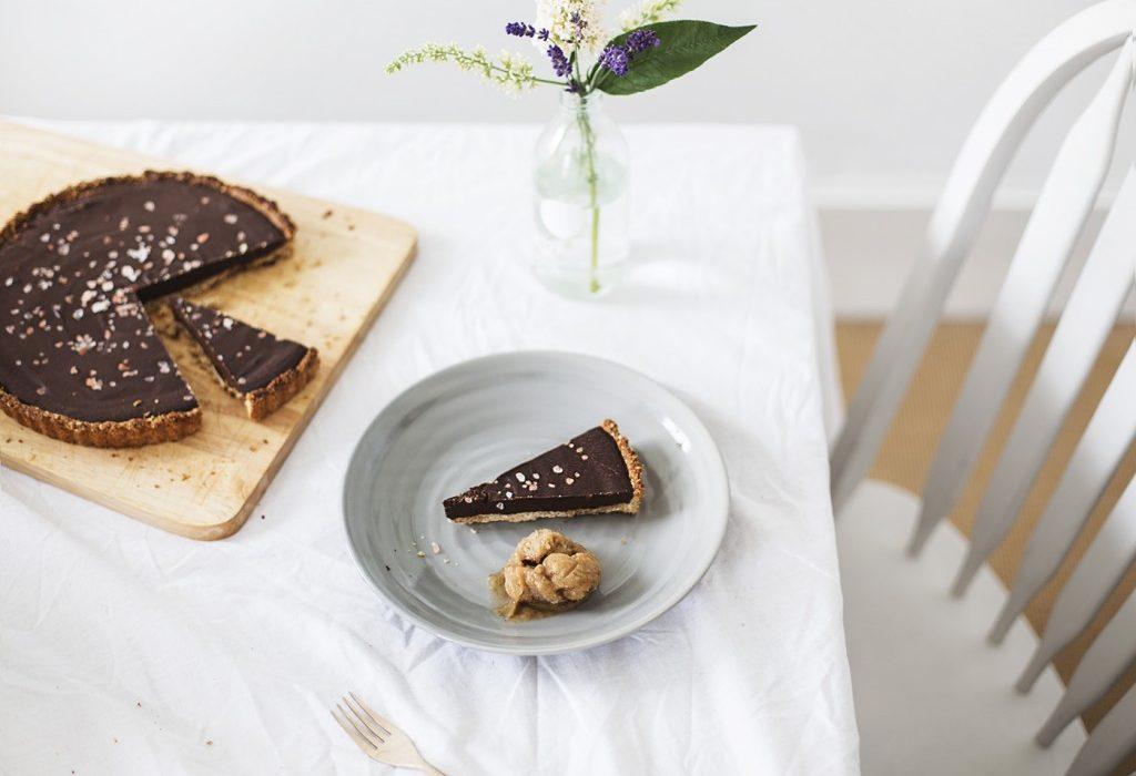 vegan-gluten-free-chocolate-tart-recipe-1024x790