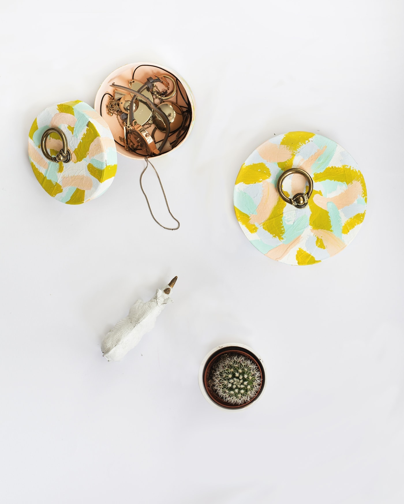 ring pull patterned storage box tutorial   the lovely drawer