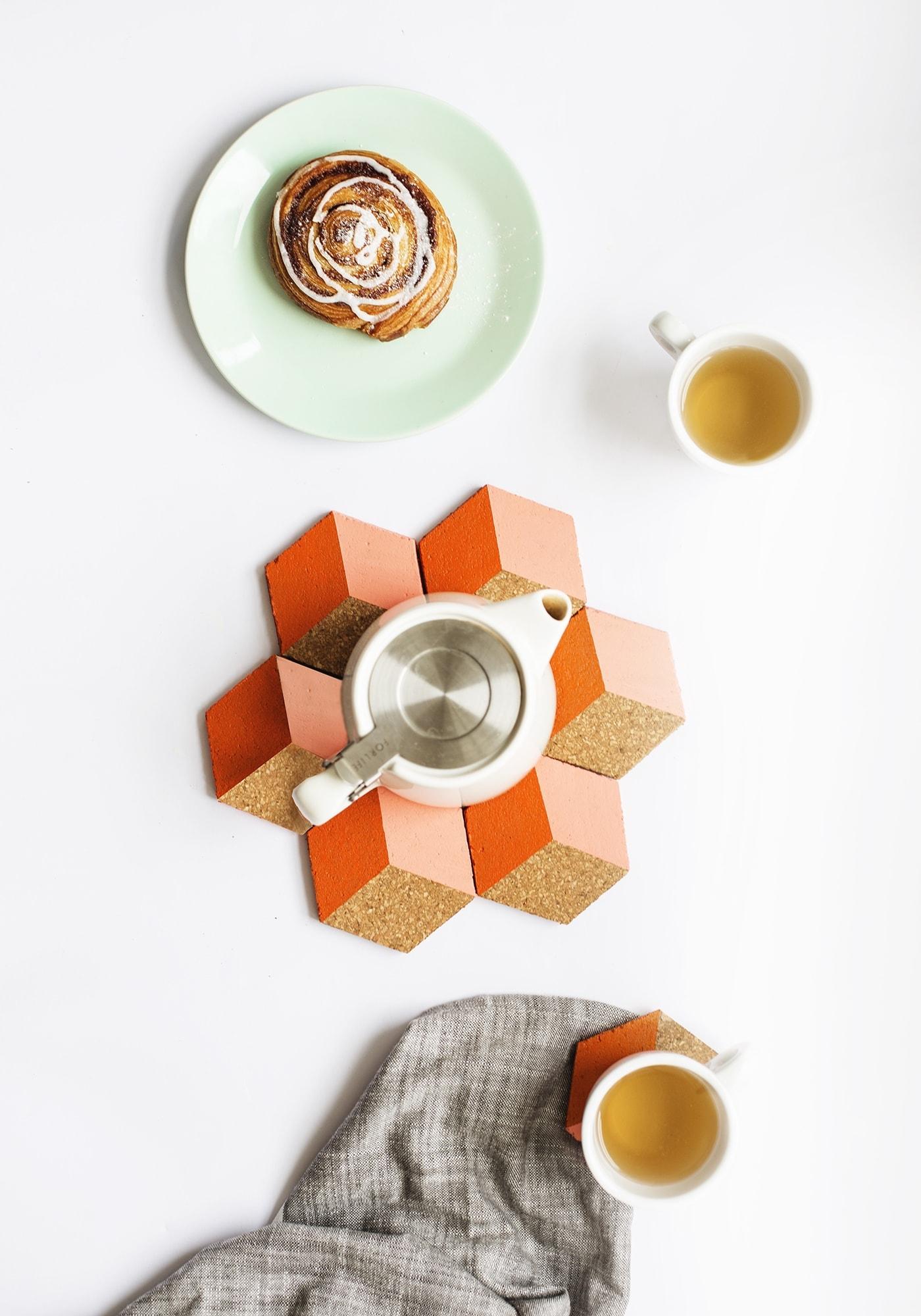 DIY geometric coaster idea | perfect for hosting