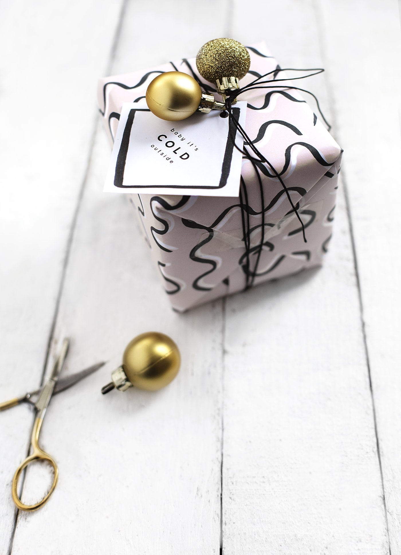free patterned printable christmas gift wrap | diy christmas ideas
