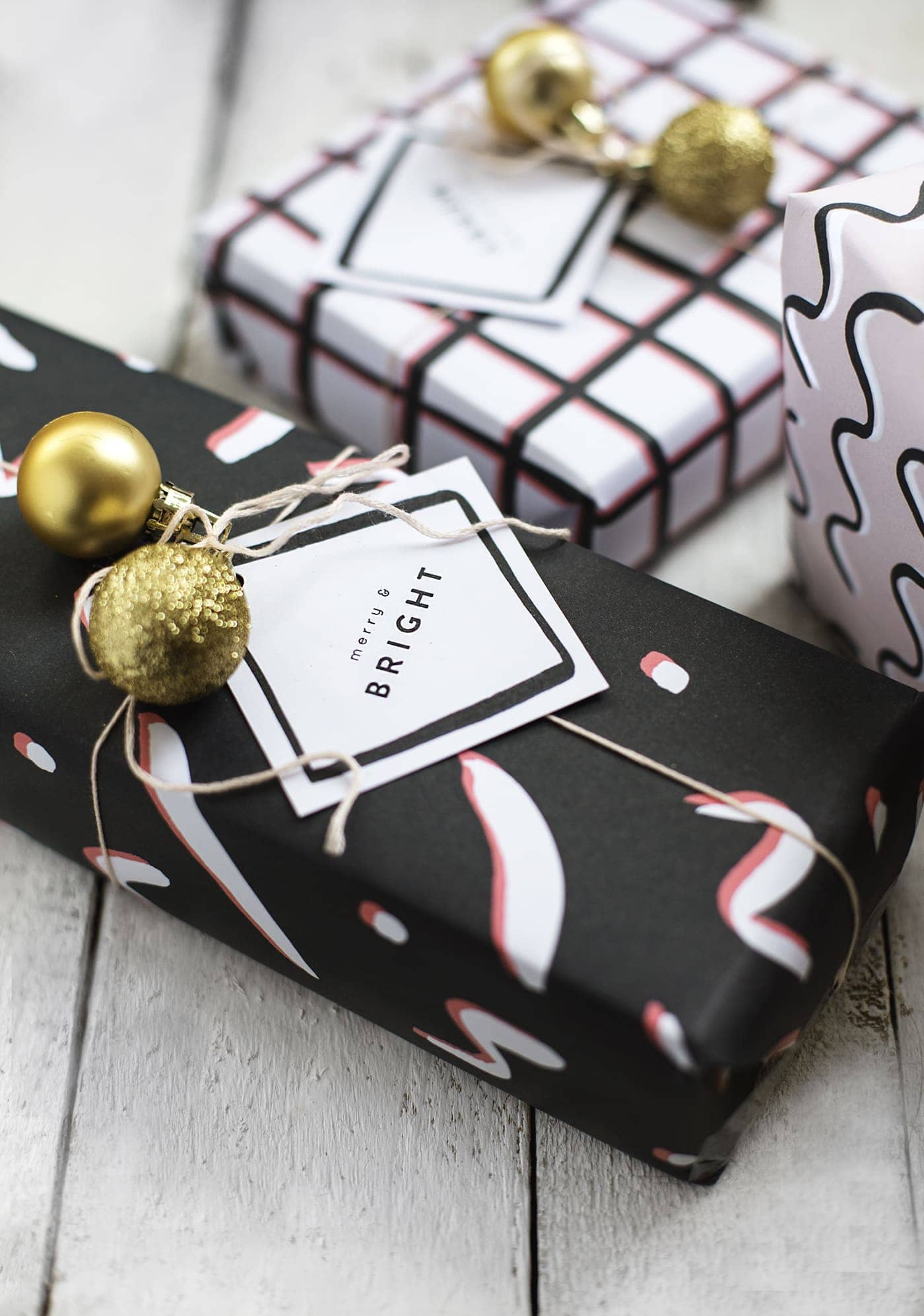 free patterned printable wrap and tags to make your Christmas a bit different | diy christmas ideas