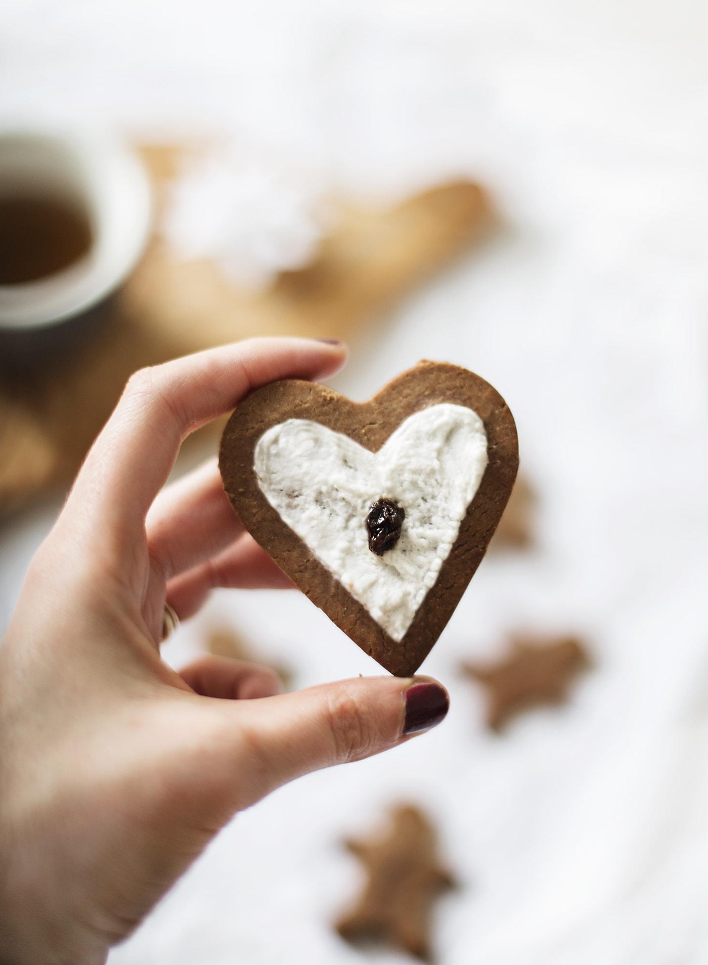Paleo chestnut flour gingerbread | Christmas desserts | gluten free | vegan | refined sugar free