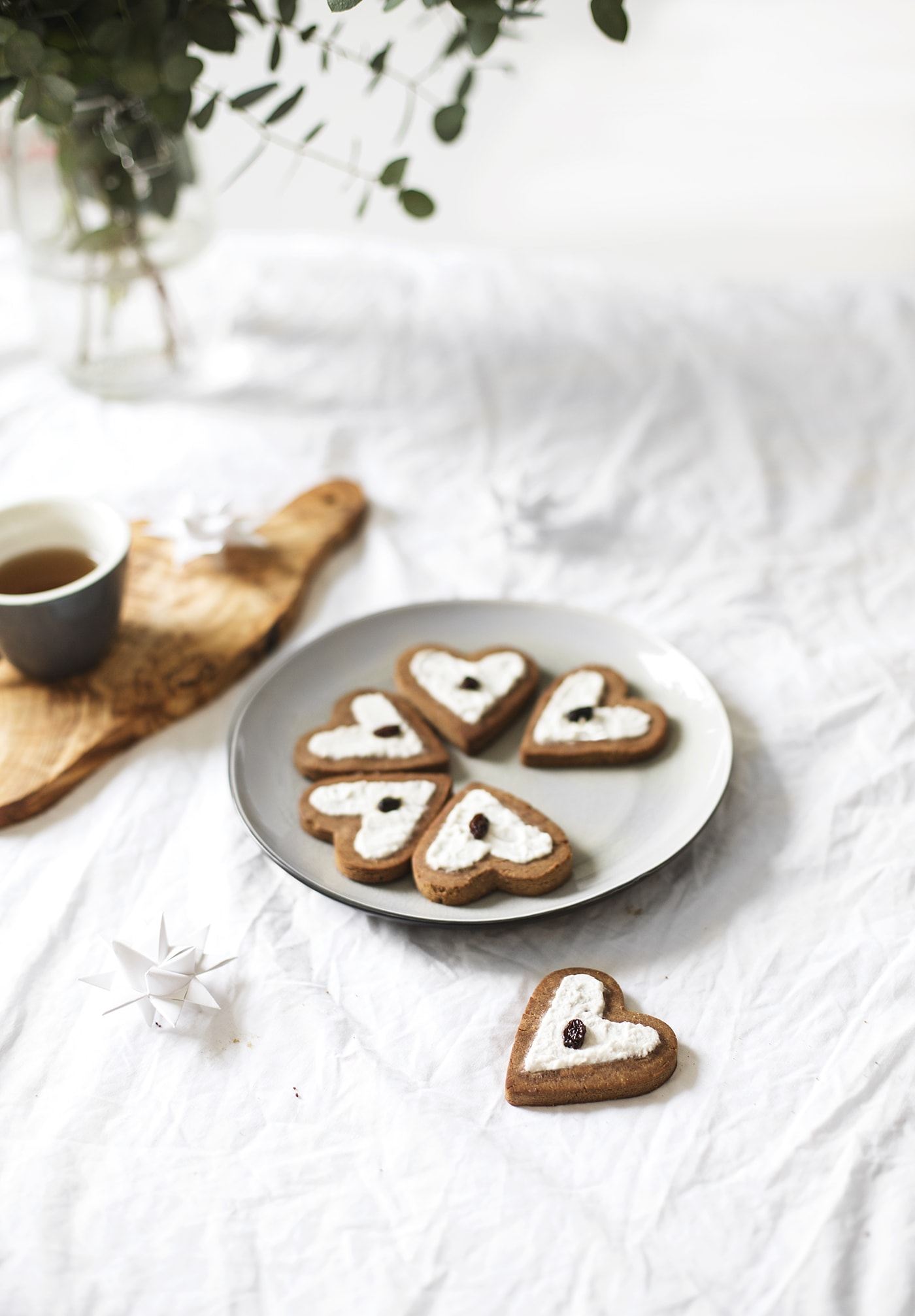 Paleo chestnut flour gingerbread   only 3 ingredients   Christmas desserts   gluten free   vegan   refined sugar free