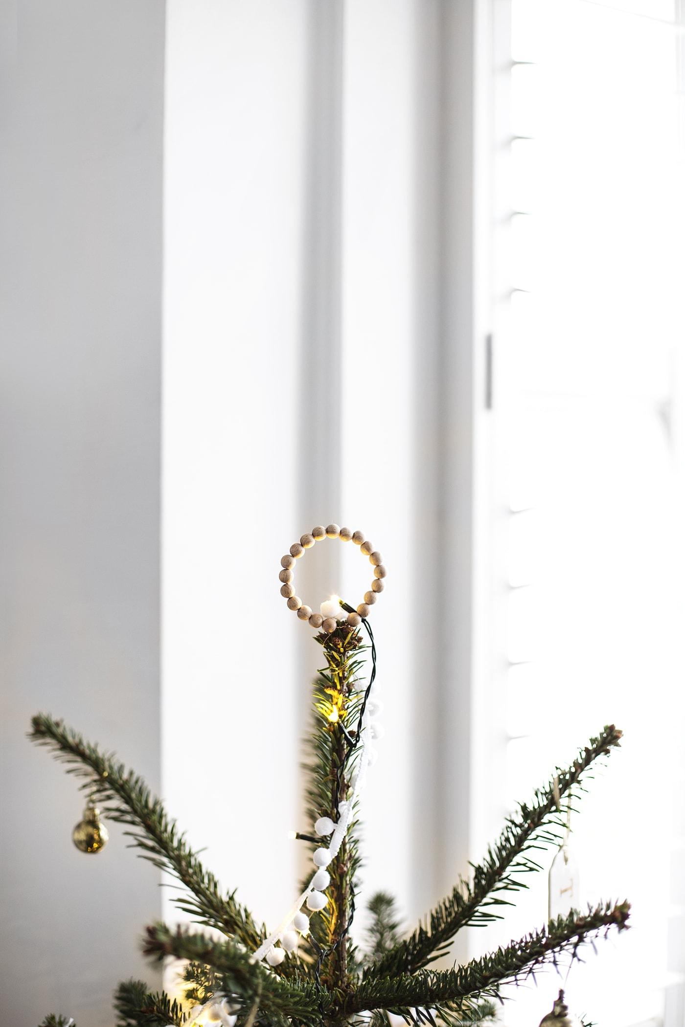 christmas tree decoration   carpetright