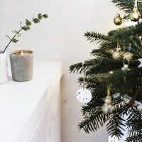 christmas-tree-decoration-ccreating-a-festive-atmosphere-creating-a-cosy-room-carpetright-683x1024