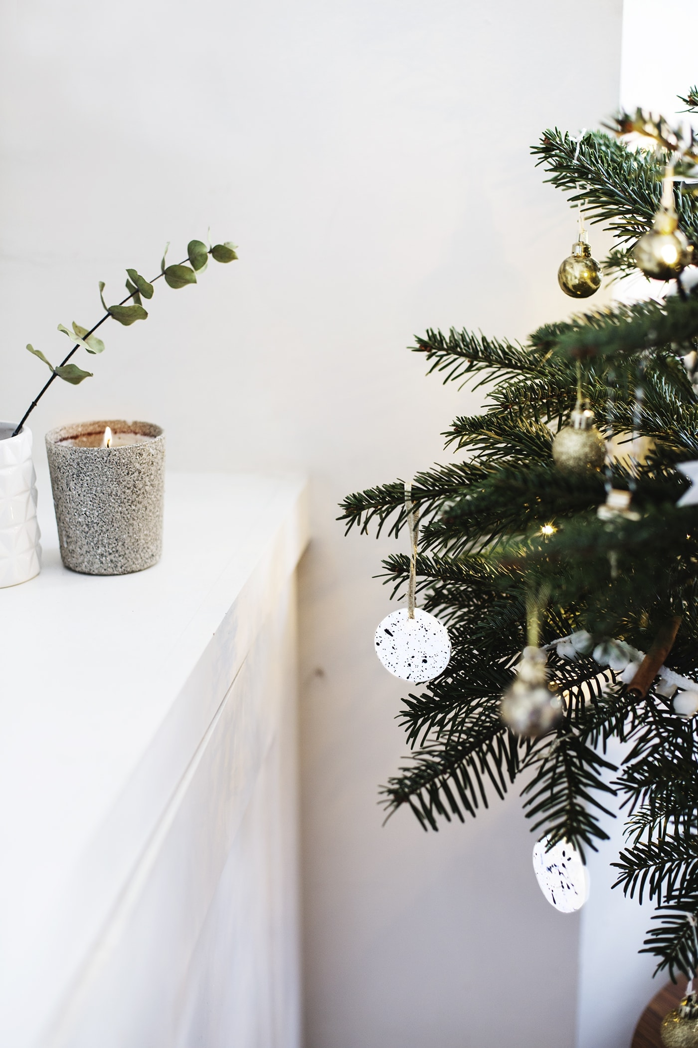 christmas tree decoration| ccreating a festive atmosphere | creating a cosy room | carpetright
