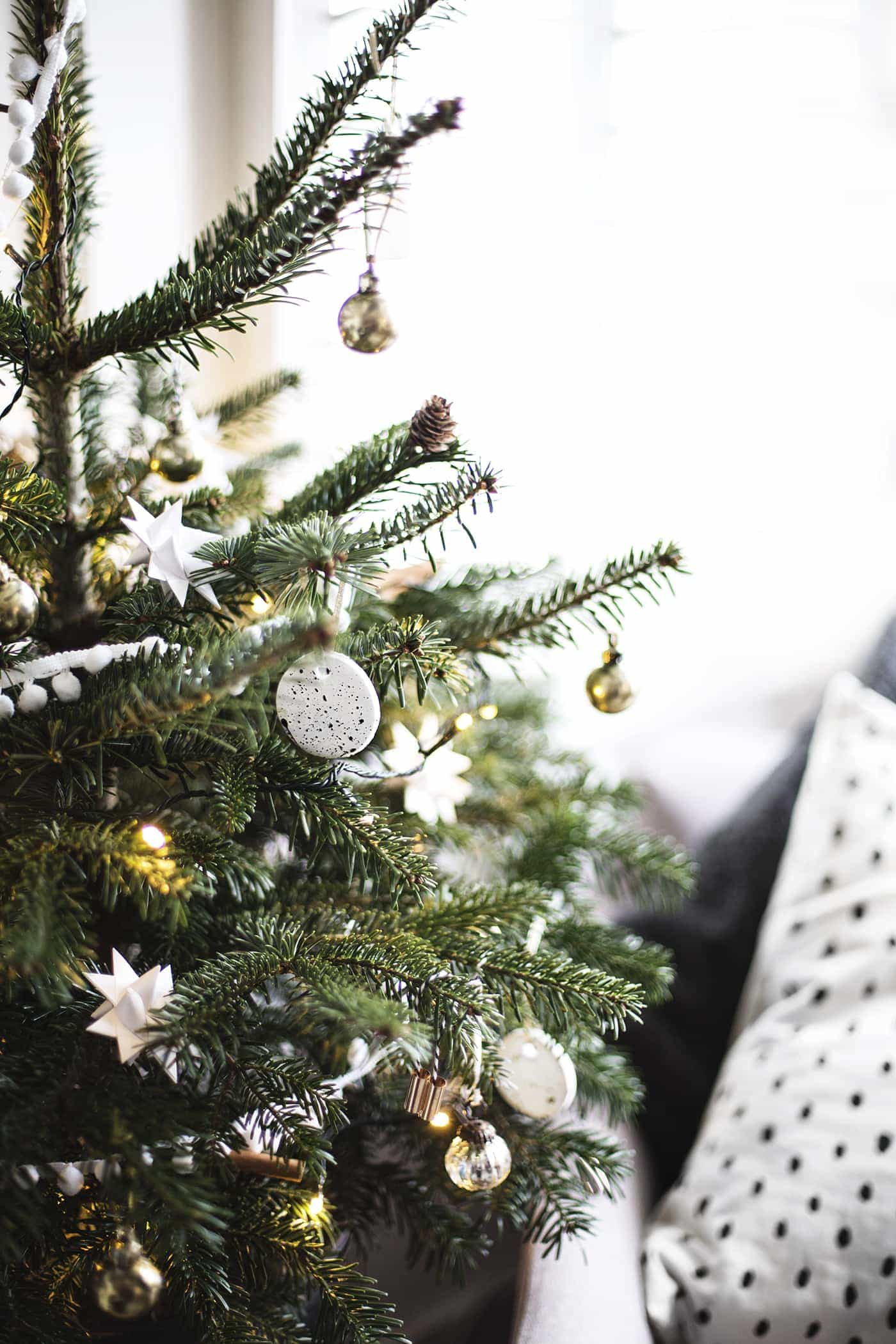 christmas tree decoration | creating a cosy room | carpetright