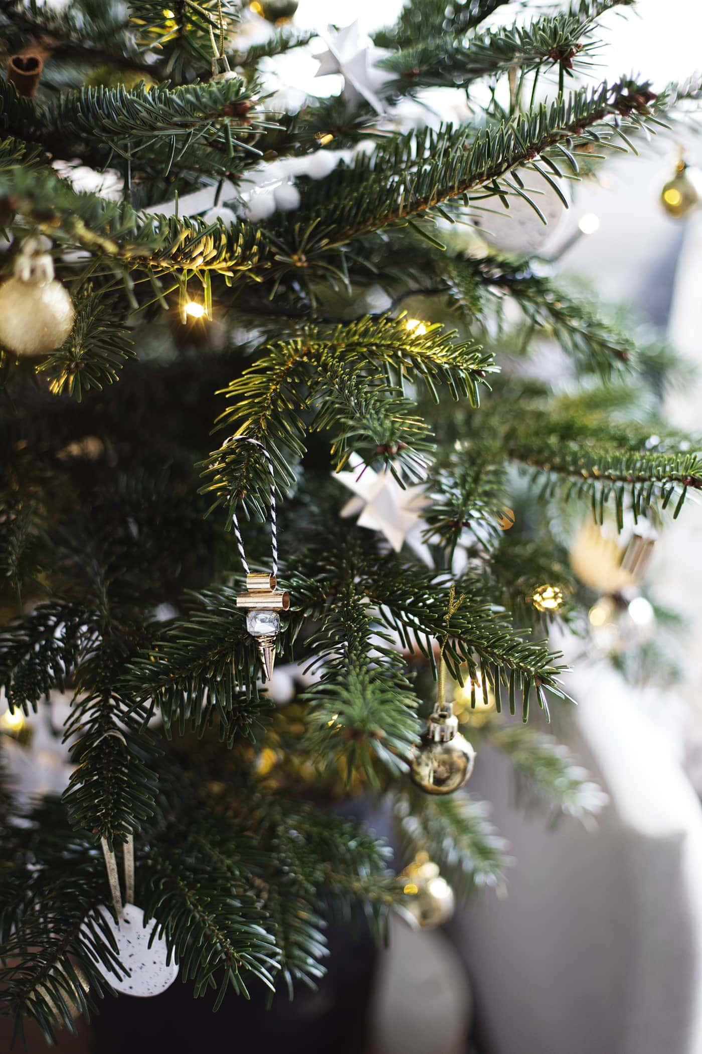christmas tree decoration | creating cosyness| carpetright