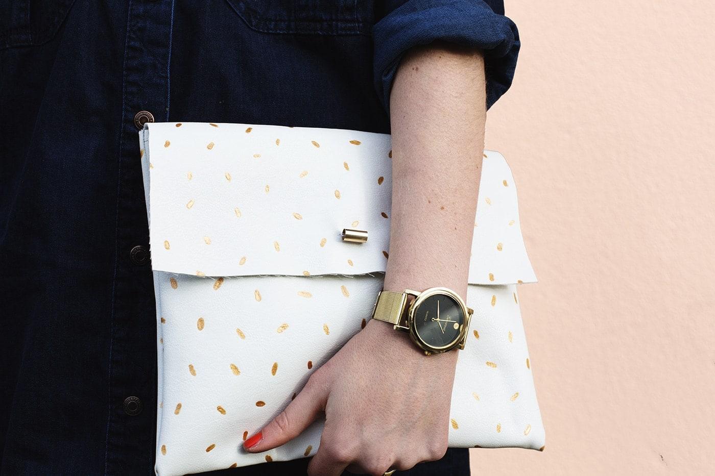 DIY metallic patter clutch bag | easy fashion crafts