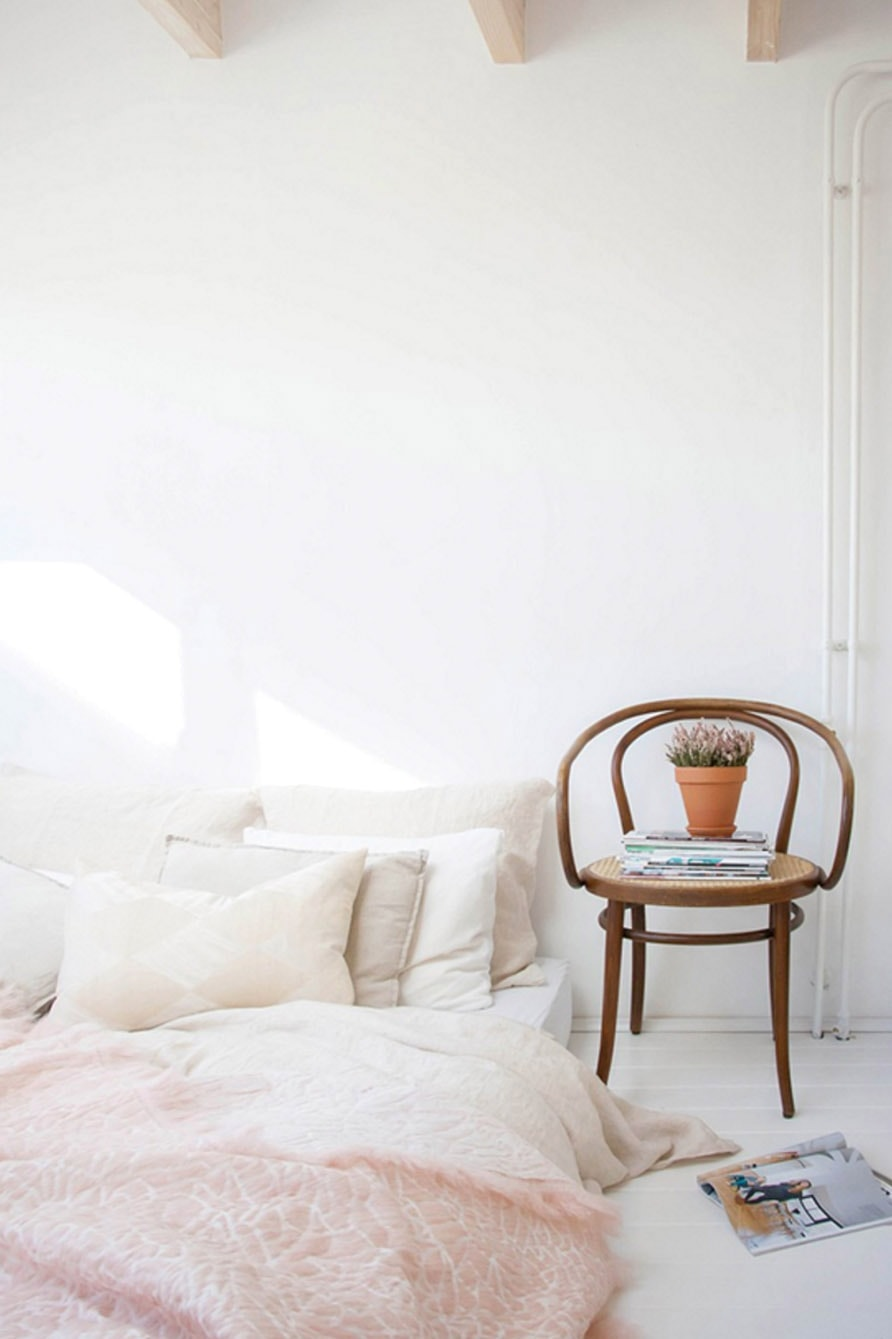 neutral bedroom | blush | cosy corner | interiors | home decor