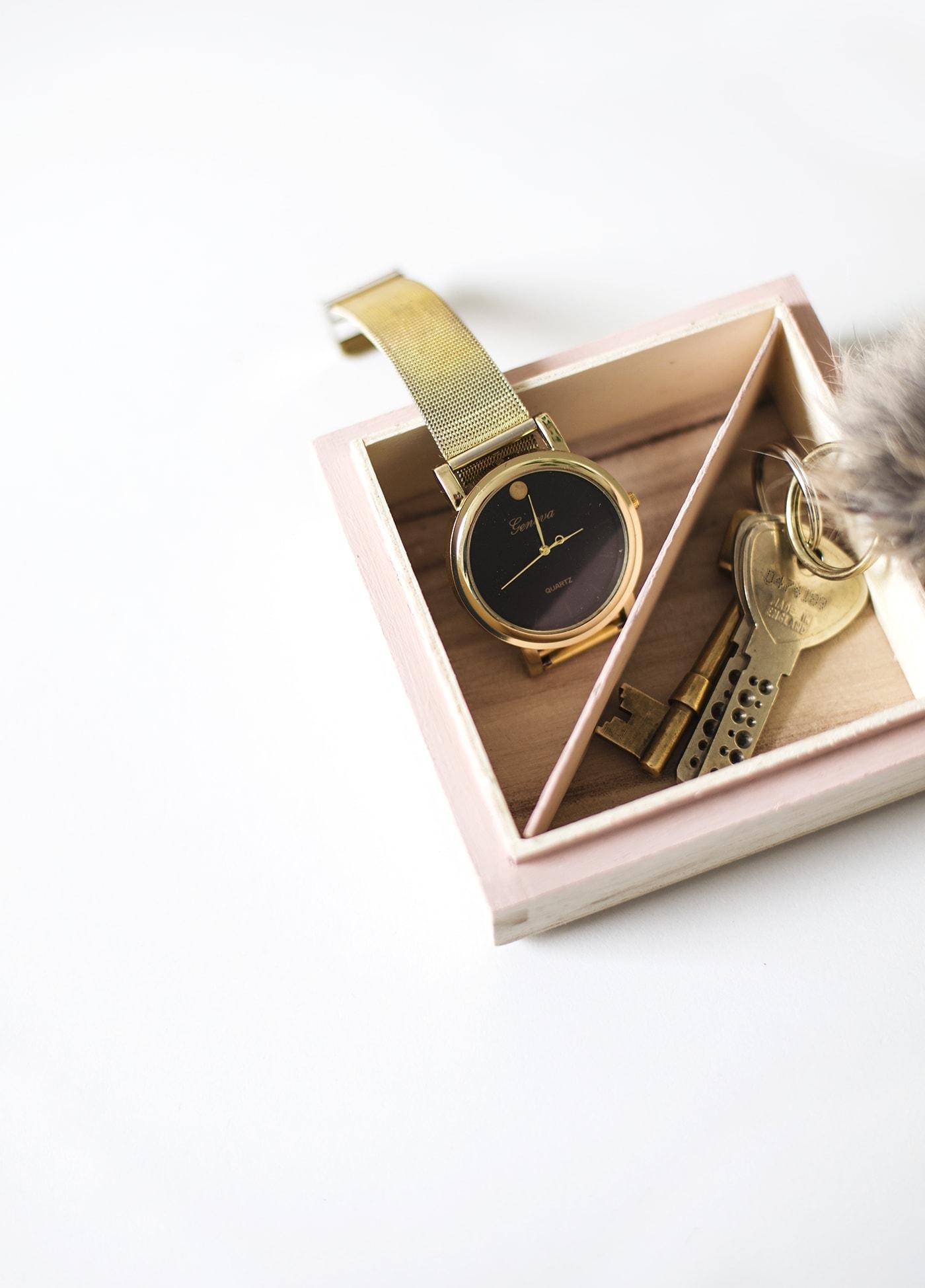 DIY trinket tray idea   pretty dresser storage   crafts
