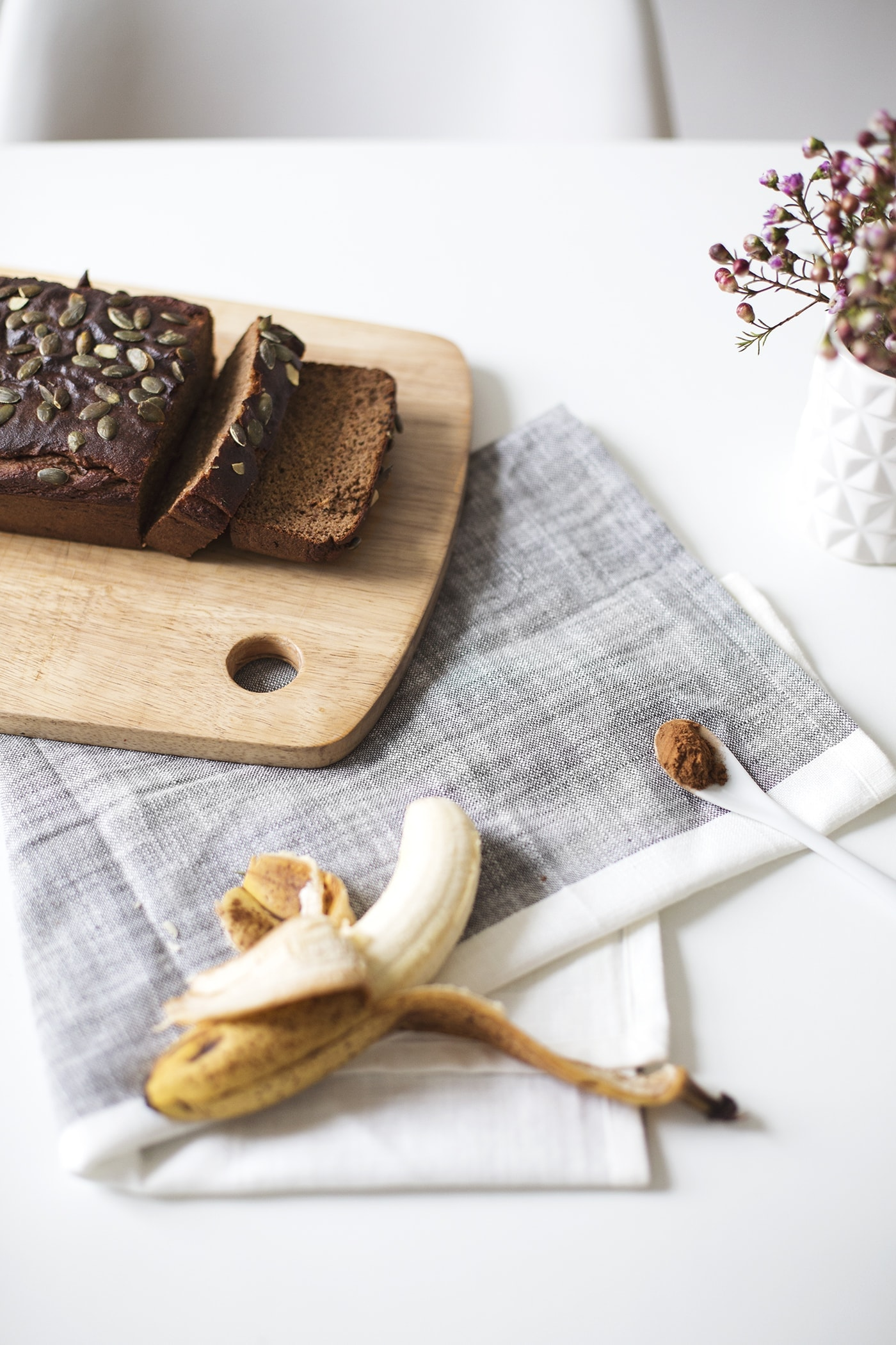 paleo seeded banana breakfast loaf recipe | grain free baking | gluten free