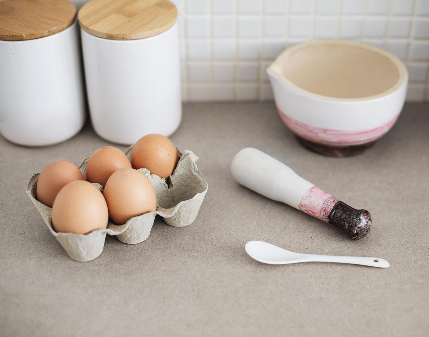 dip dye effect pestal & mortar bowl | home crafts for the kitchen | porcelain paint