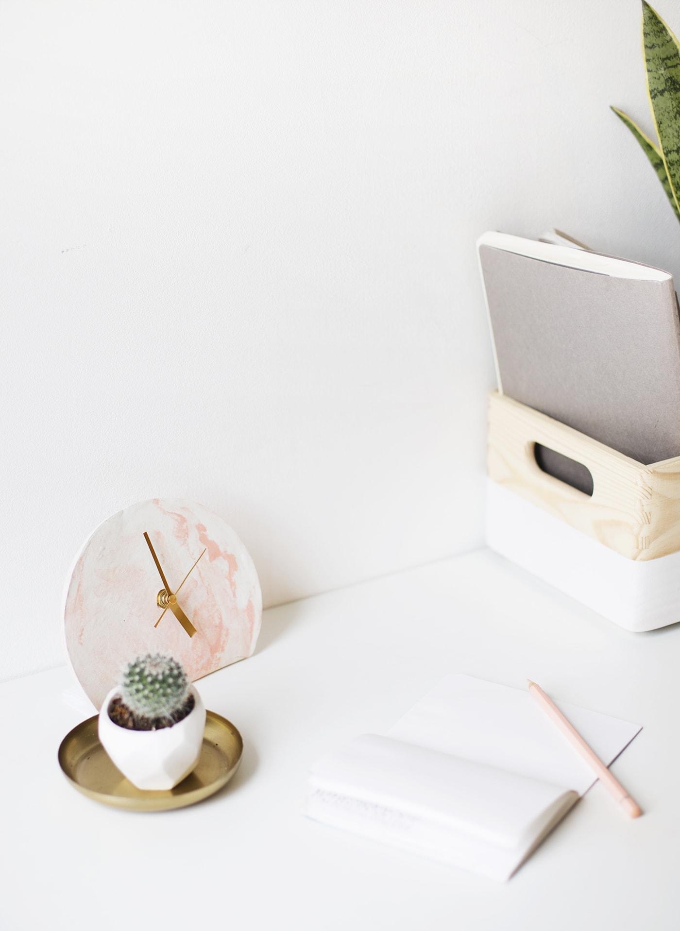 DIY mini standing desk clock tutorial | polymer clay