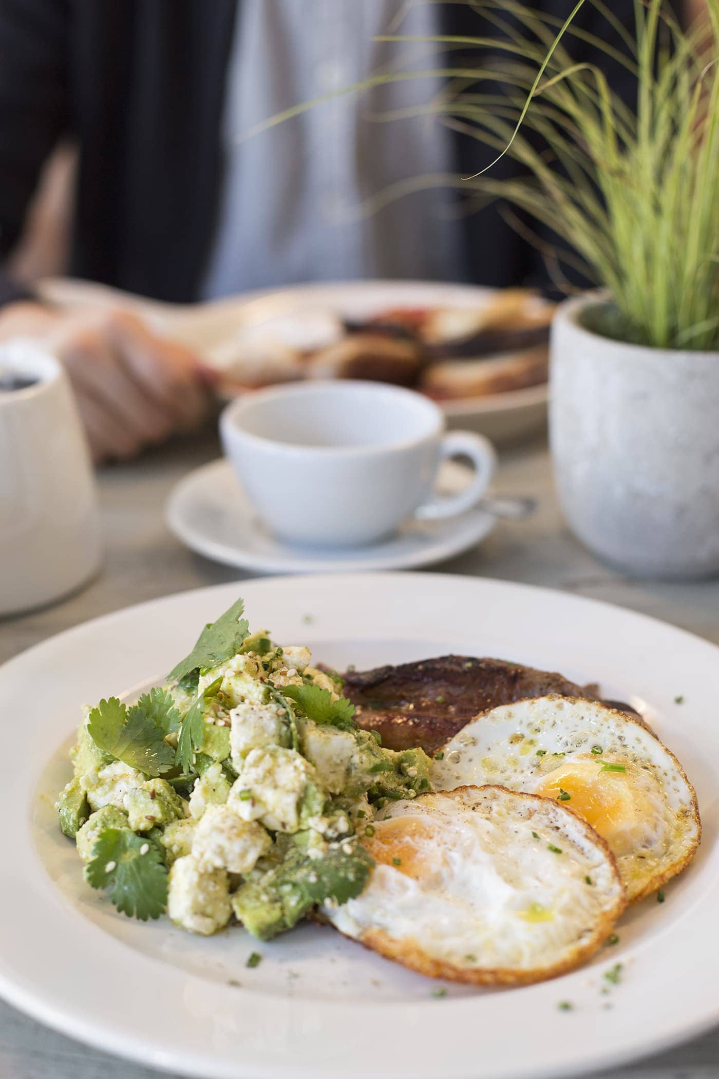 no197 chiswick firestation | bank holiday brunch | breakfast | velvet sofas