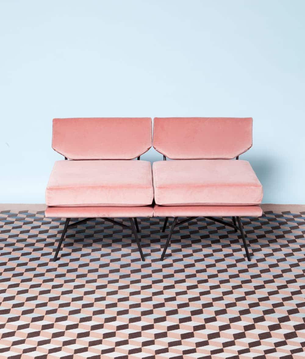 pink velvet sofa | interior design | geometric rug