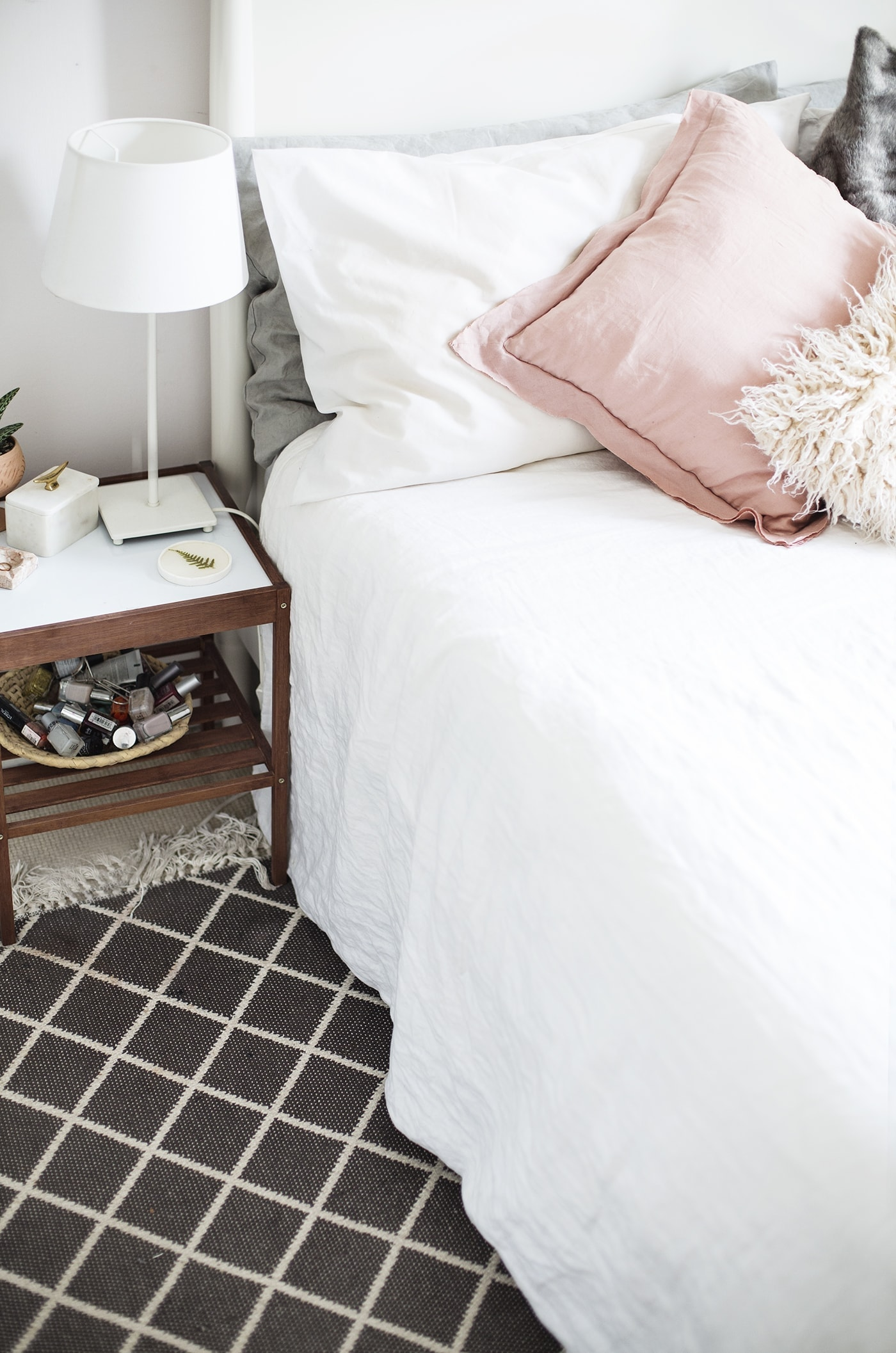 rugs in the home | carpetright | diamond rug in the bedroom