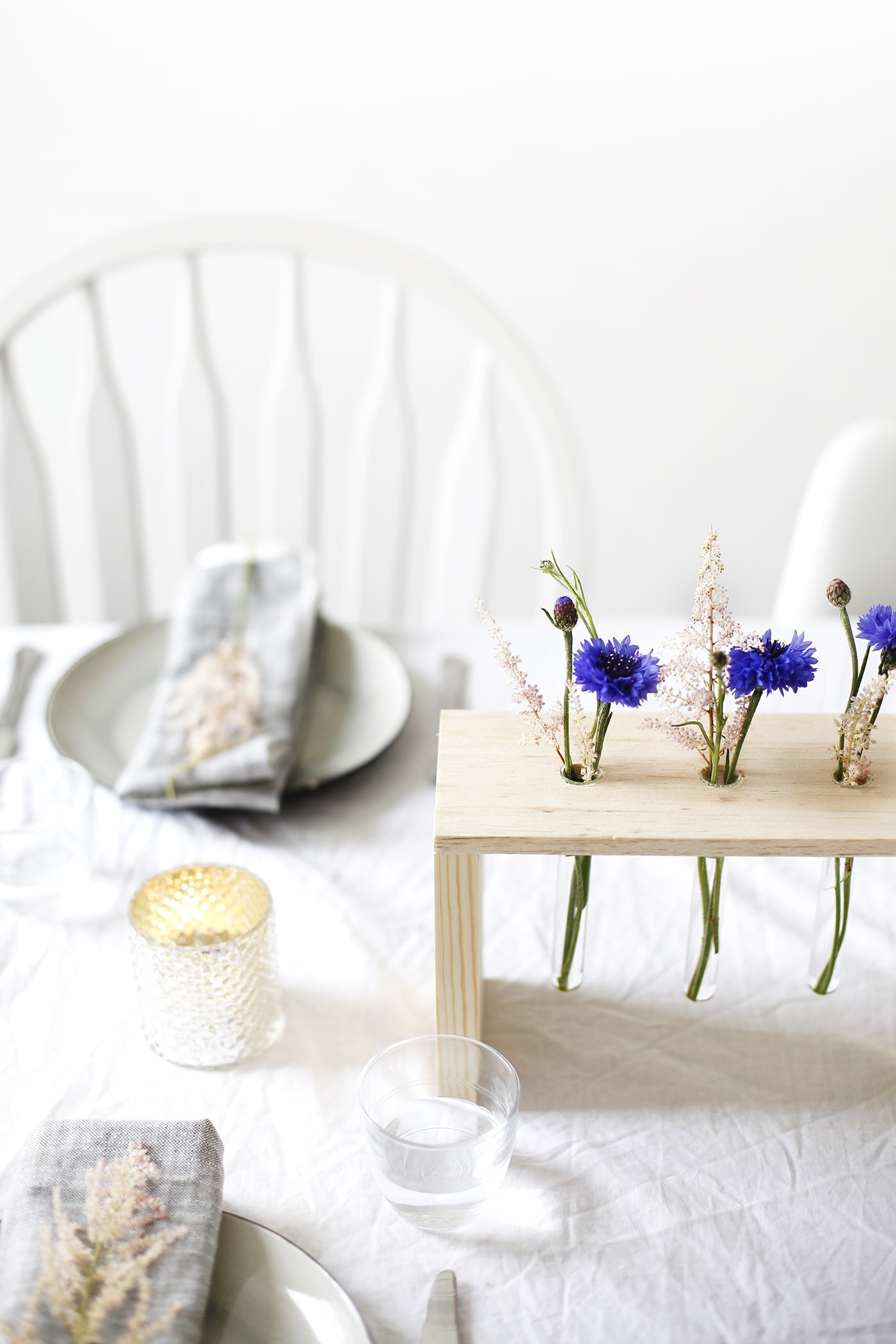 DIY floral table centre   easy craft tutorial perfect for entertaining   home ideas