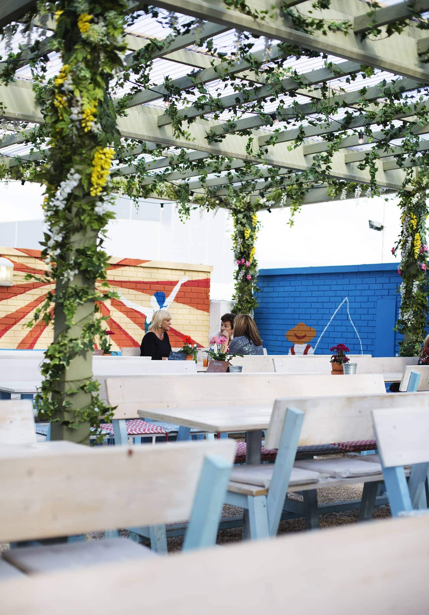 Birthday fun day | Pergola on the roof | roof top eating