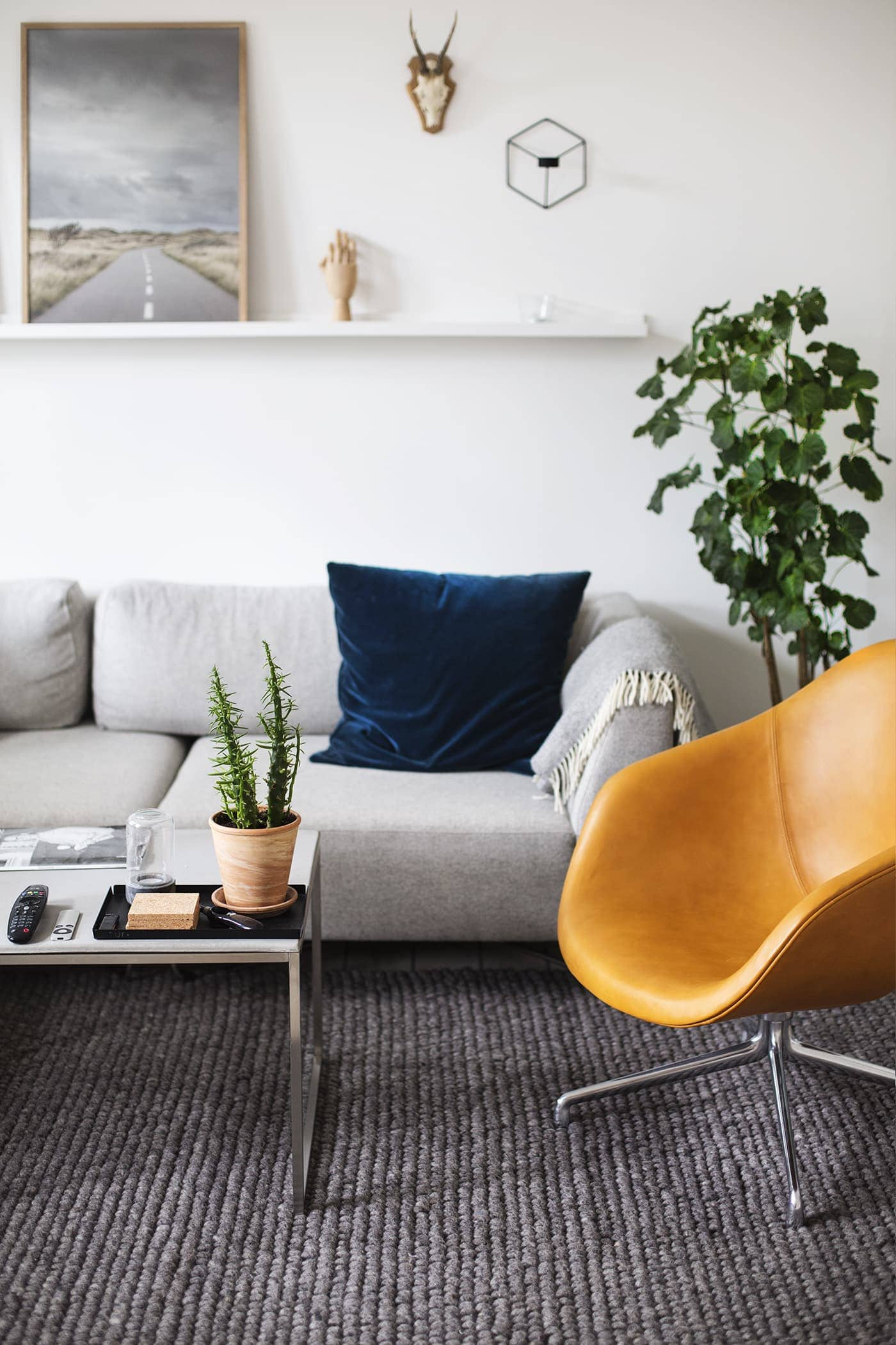 Copenhagen | wanderlust | air bnb living room 3