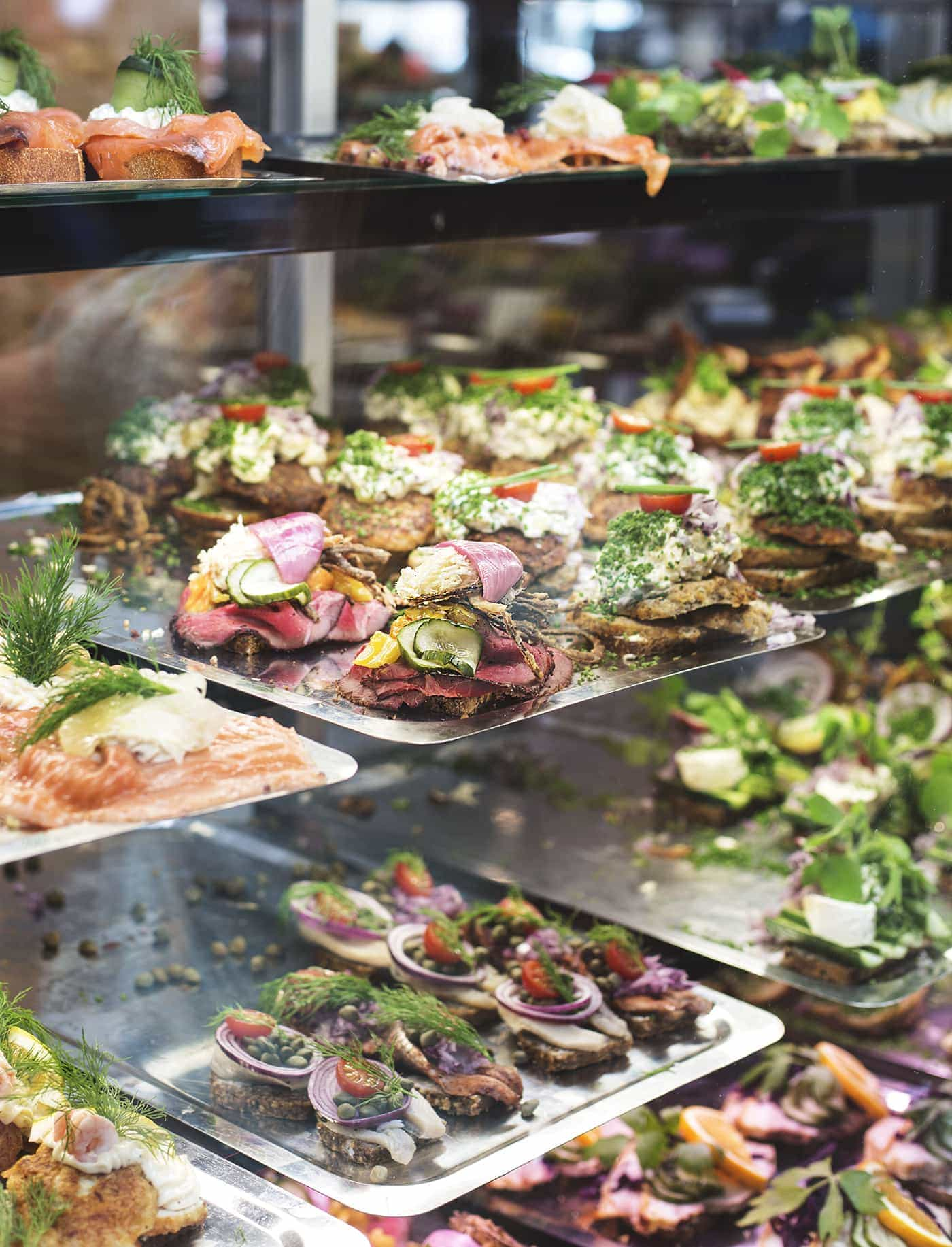 Copenhagen | wanderlust | torvehallerne food market | smørrebrød
