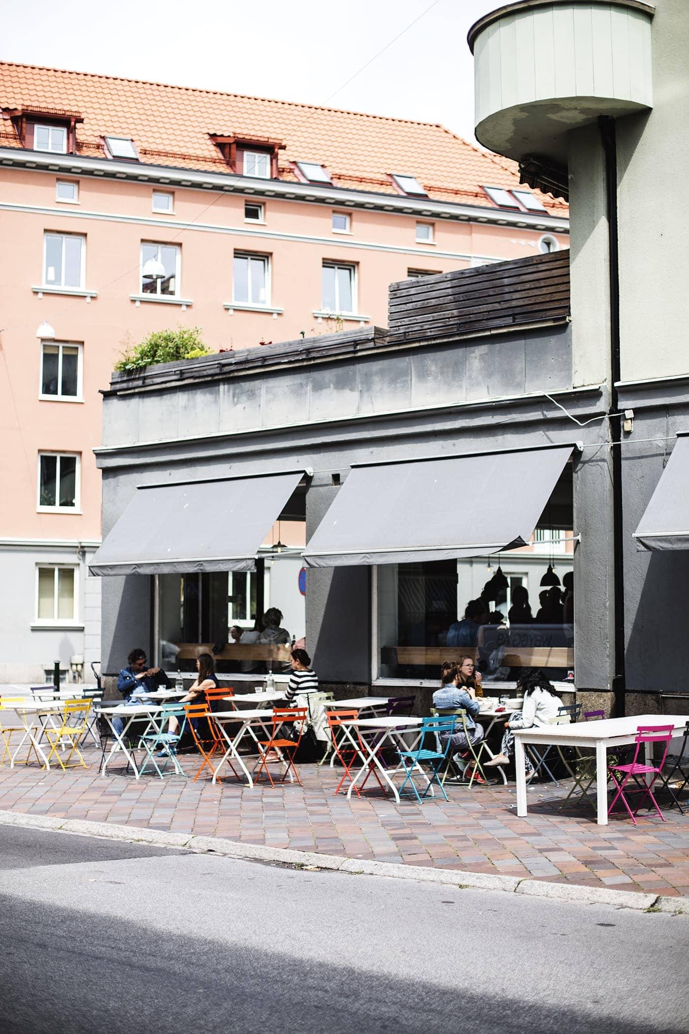 copenhagen-wanderlust-colourful-cafes