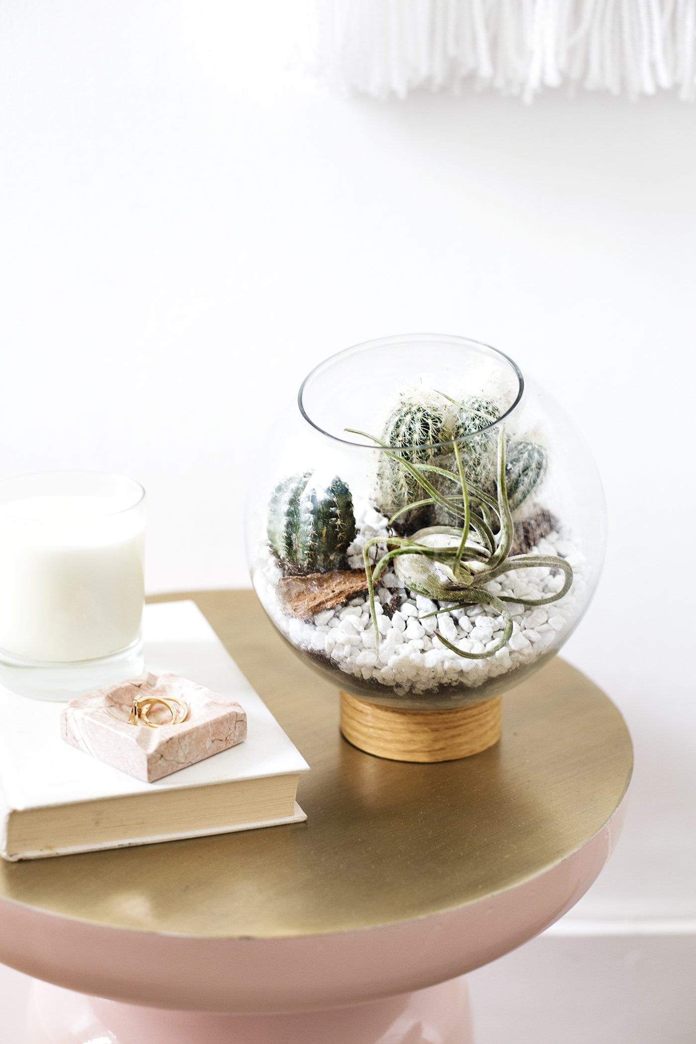 DIY mid century terranium idea | easy crafts | ijust use vinyl, a jar lid and a fish bowl