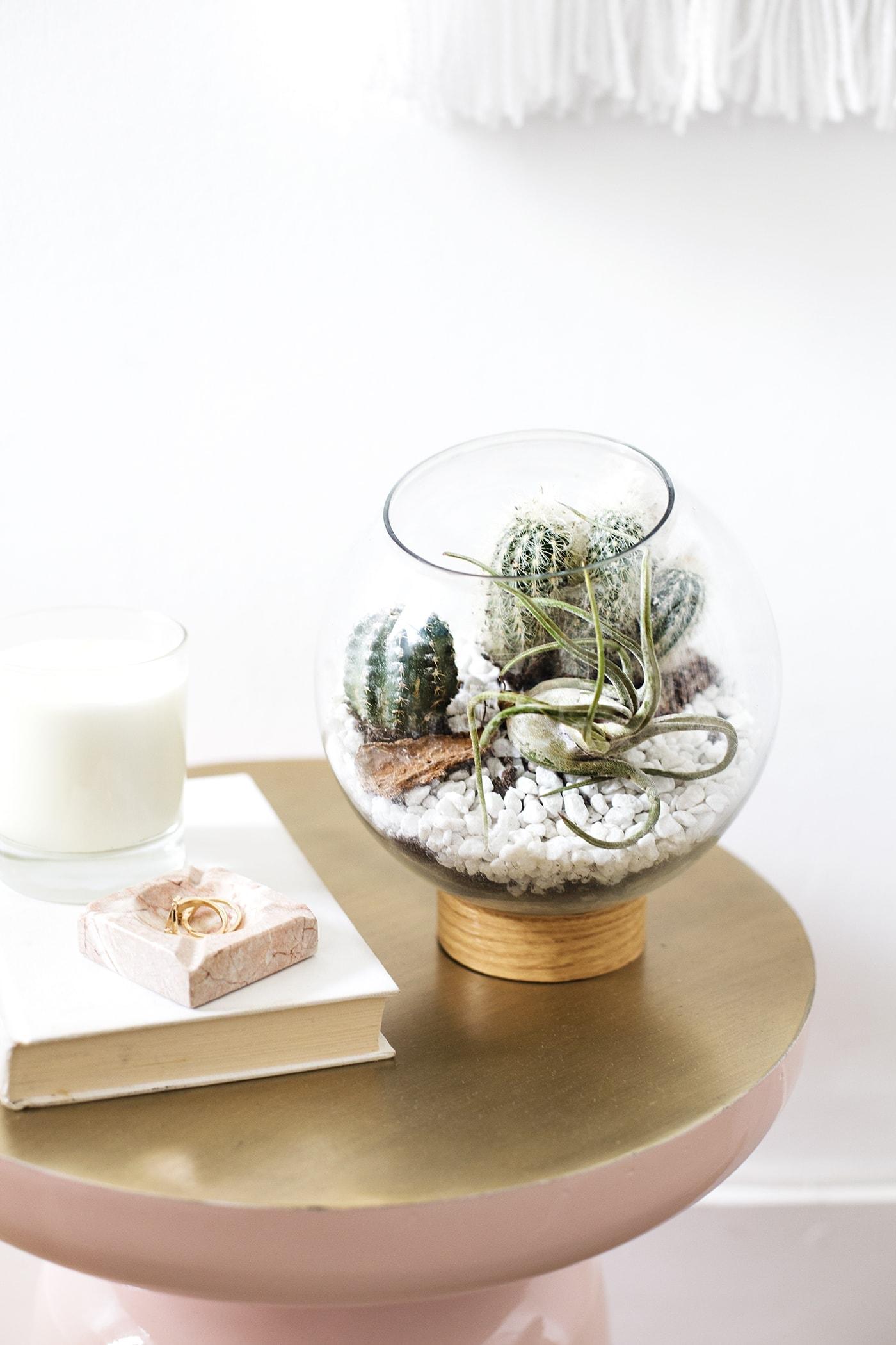DIY mid century terranium idea | easy crafts | ijust use vinyl, a jar lid and a fish bowl