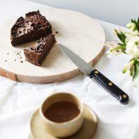 avocado-chocolate-tart-paleo-dessert-recipe-gluten-free-dairy-free-healthier-sweet-treats