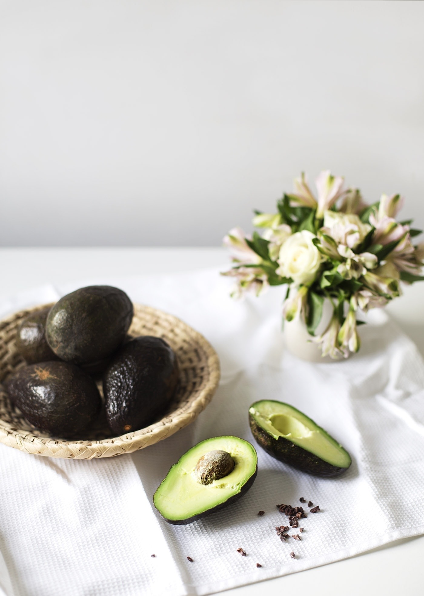 raw-avocado-chocolate-tart-paleo-dessert-recipe-gluten-free-dairy-free-healthier-sweet-treats