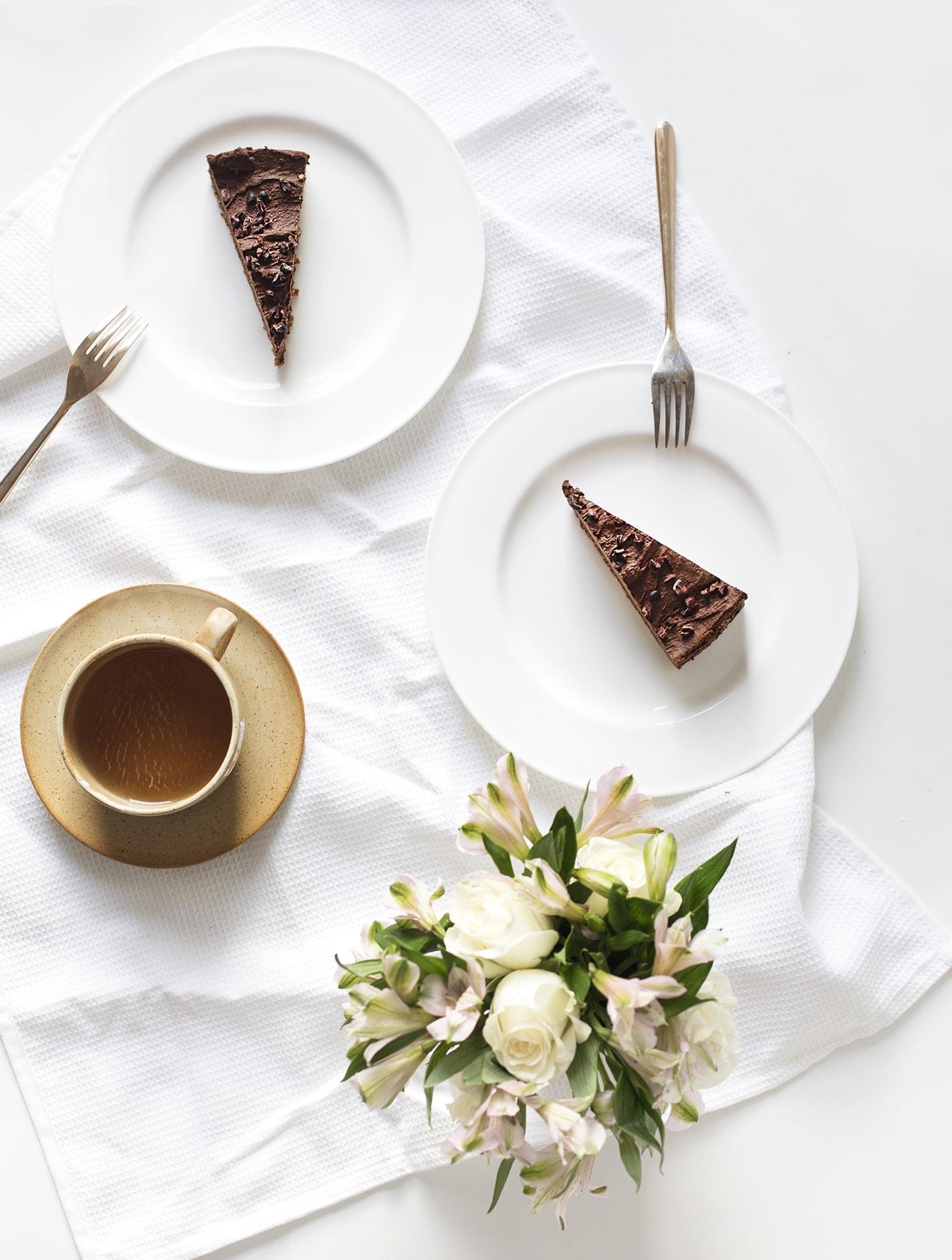 raw-avocado-chocolate-tart-recipe-paleo-dessert-gluten-free-dairy-free-healthier-puddings-perfect-for-making-ahead