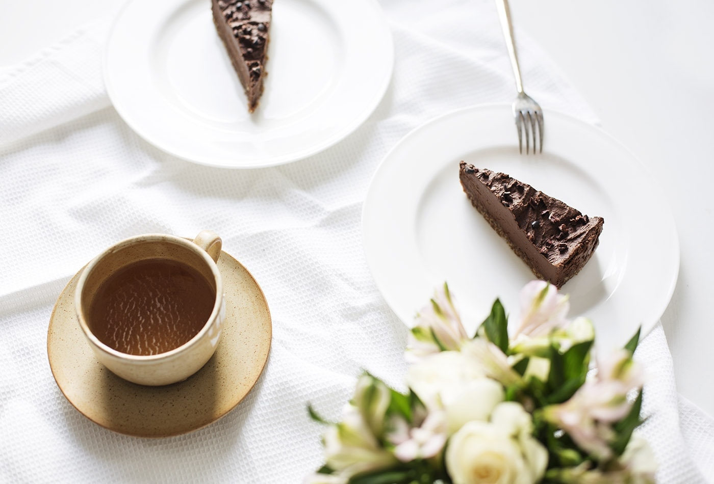 raw-avocado-chocolate-tart-recipe-paleo-dessert-idea-gluten-free-dairy-free-healthier-sweet-treats