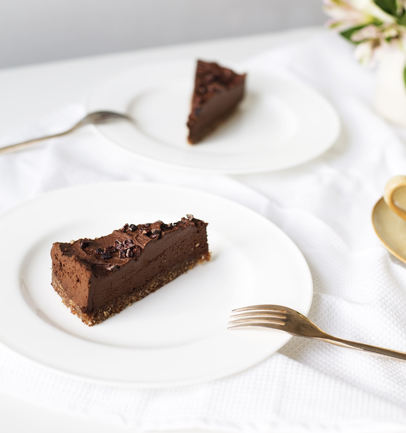 raw-avocado-chocolate-tart-recipe-paleo-dessert-recipe-gluten-free-dairy-free-healthier-sweet-treats