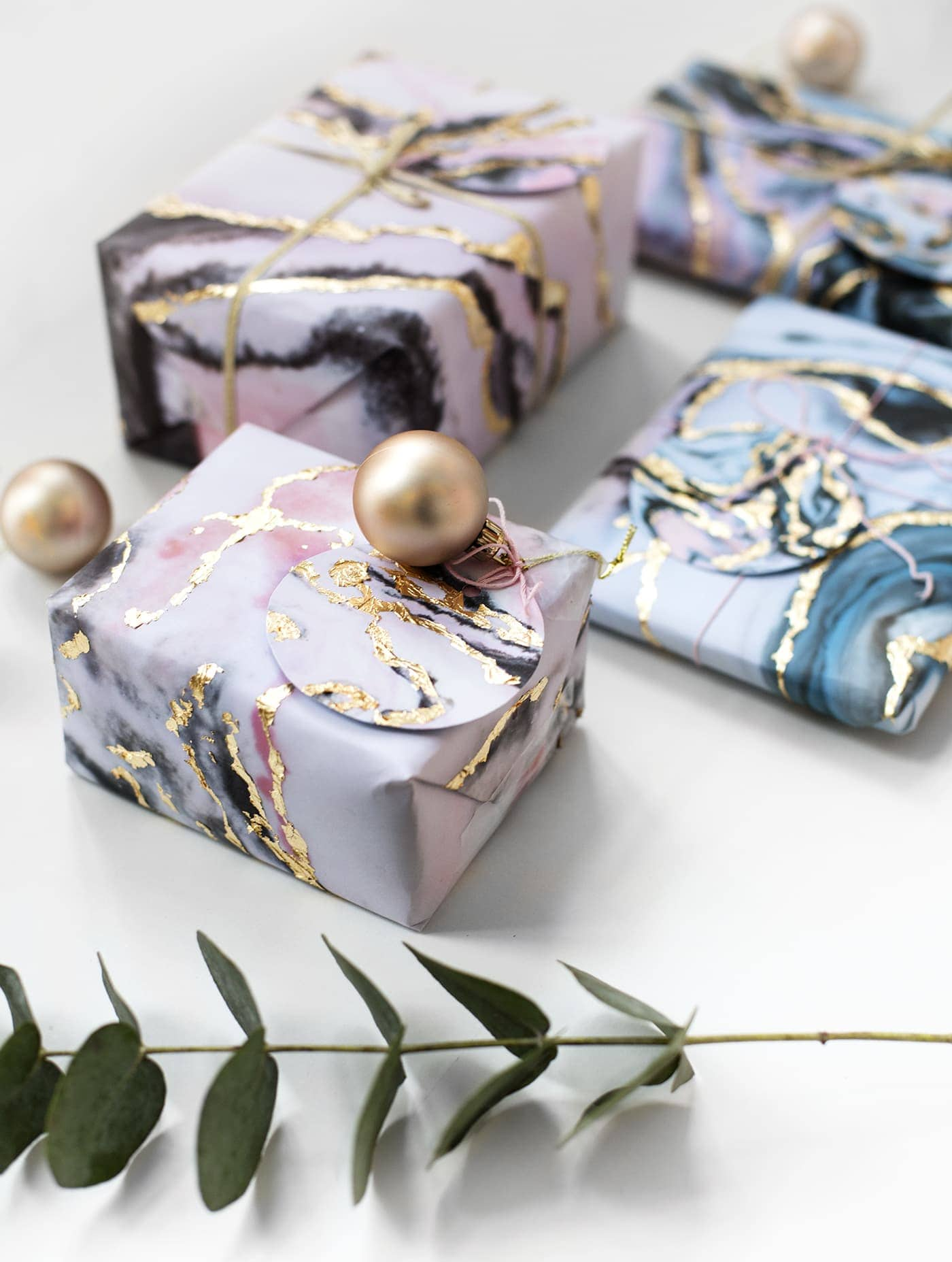 diy-gift-wrap-tutorial-marble-and-gold-leaf