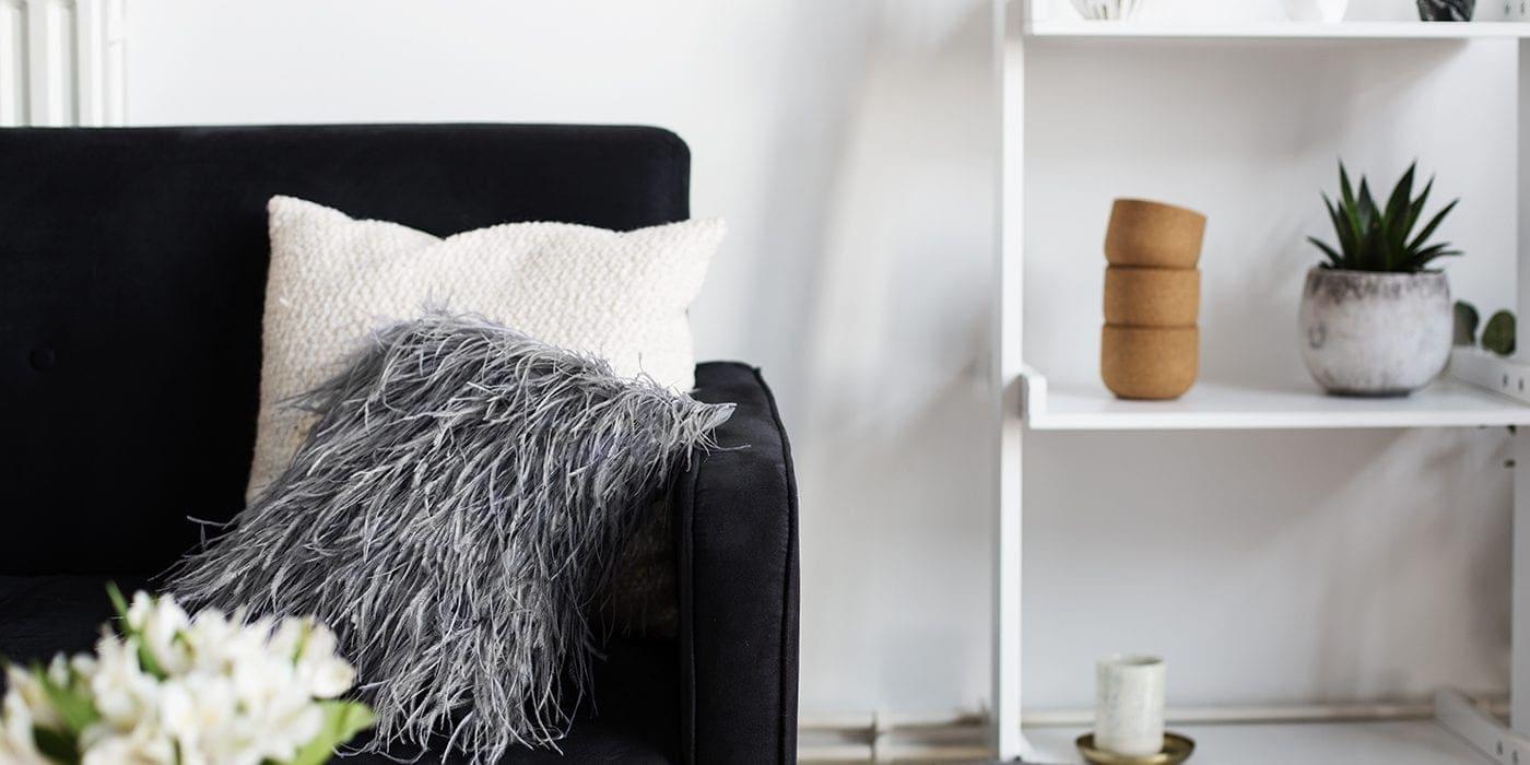 DIY feathered pillow tutorial