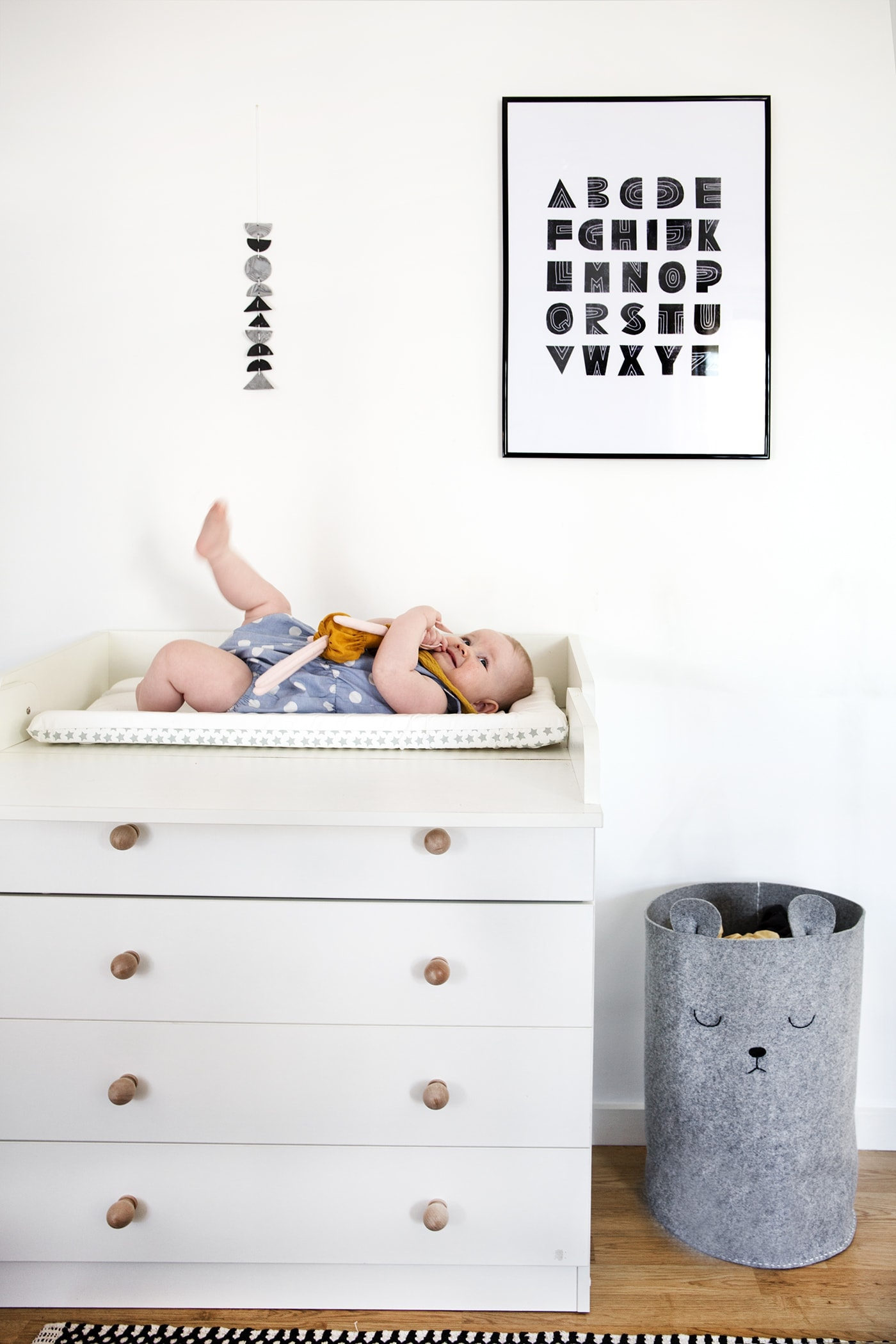 Pretty Dirty Laundry A Nursery Diy The Lovely Drawer