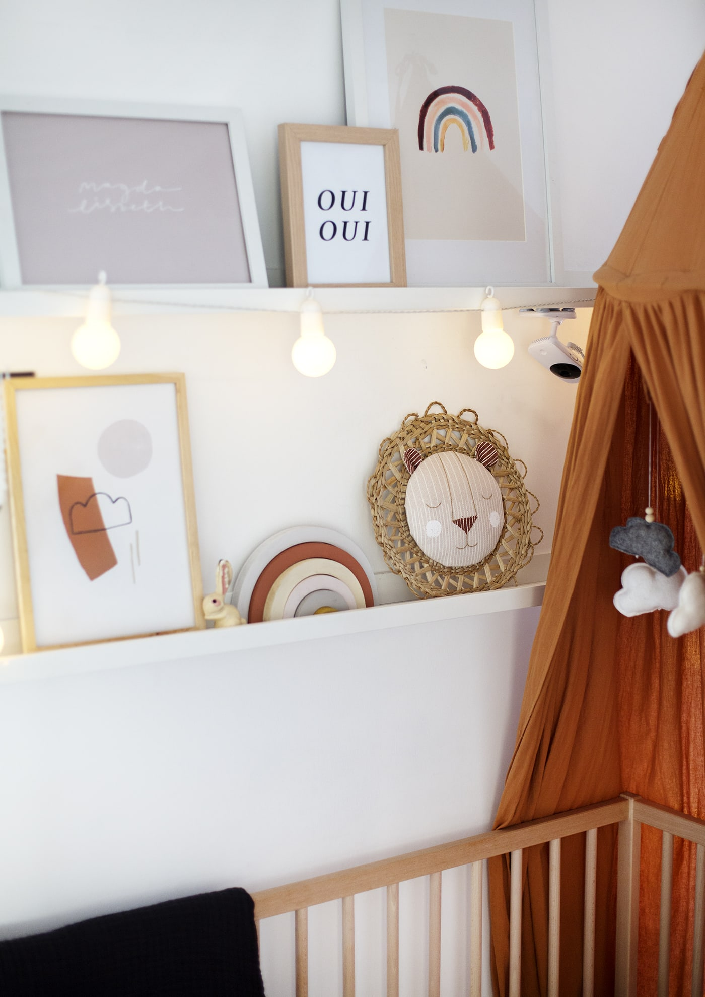 DIY Hanging Lion Decor